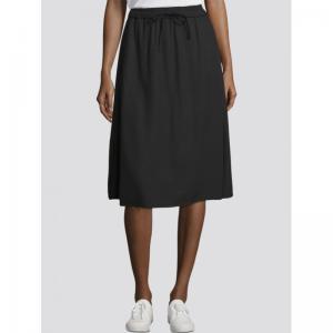 000000 705534 [skirt solid] logo
